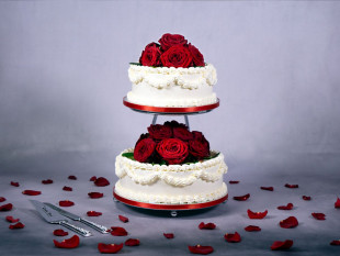 Red Roses 2-tier Wedding Cake 2