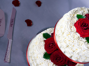 Red Roses 2-tier Wedding Cake 3