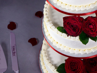 Red Roses 3-tier Wedding Cake 1