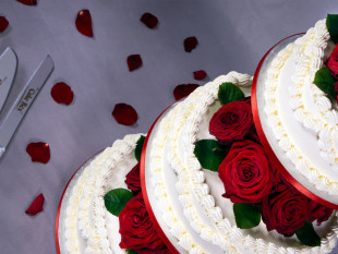 Red Roses 3-tier Wedding Cake 2