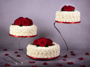 Red Roses Wedding Cakes 3